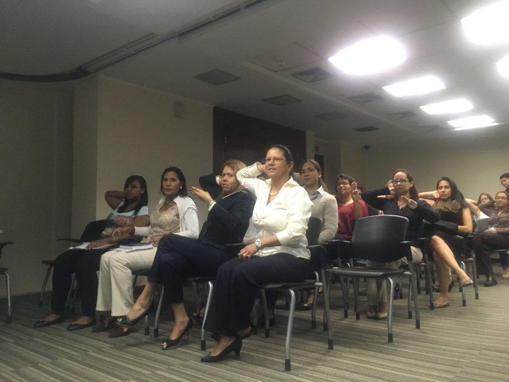 """img 0106 1024x768 - SenosAyuda dictó en Banplus la charla """"El ABC del cáncer de mama"""""""