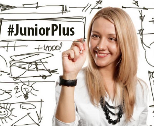 banner junior plus para blog rubia estudiantes chica 600x490 - Consejos Banplus: tips para incentivar el ahorro en tus hijos