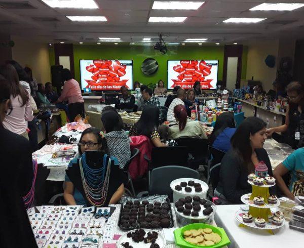 33a25fba 86e1 4edb a044 a5161e1348d6 600x490 - En Banplus, con el bazar del Día de las Madres impulsamos emprendimientos