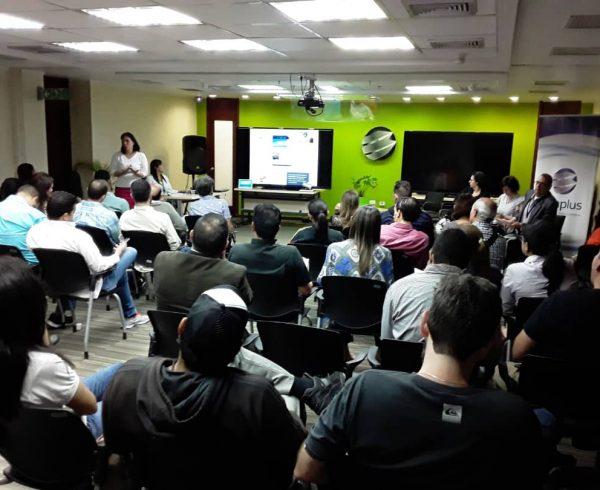 4 600x490 - En Banplus seguimos apoyando a quienes hacen país: Food Truck Venezuela visitó nuestra sede