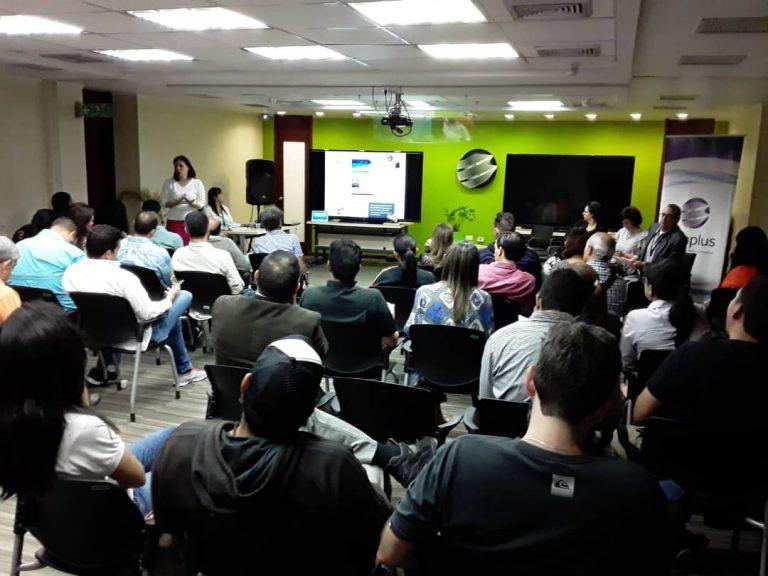 4 768x576 - En Banplus seguimos apoyando a quienes hacen país: Food Truck Venezuela visitó nuestra sede