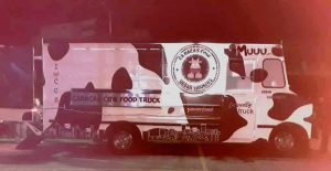 camion 300x155 - En Banplus seguimos apoyando a quienes hacen país: Food Truck Venezuela visitó nuestra sede