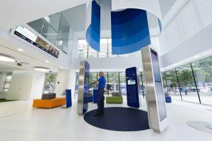 Banco 1 300x200 - La tecnología impulsa a la banca a reimaginar sus operaciones con los clientes
