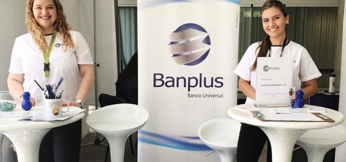 Feria de Empleo UCAB 1200x565 - Banplus participó en la Feria de Empleo y Pasantías UCAB