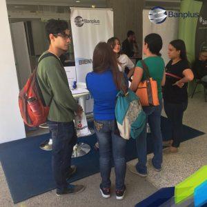 Feria de Empleo UCAB 4 300x300 - Banplus participó en la Feria de Empleo y Pasantías UCAB