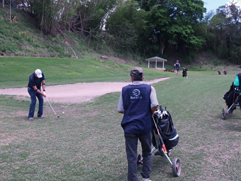 Torneo de Golf a beneficio de la Fundacion Contra la Paralisis Infantil FINAL 3 768x576 - Banplus estuvo presente en el XV Torneo de Golf de la Fundación Contra la Parálisis Infantil