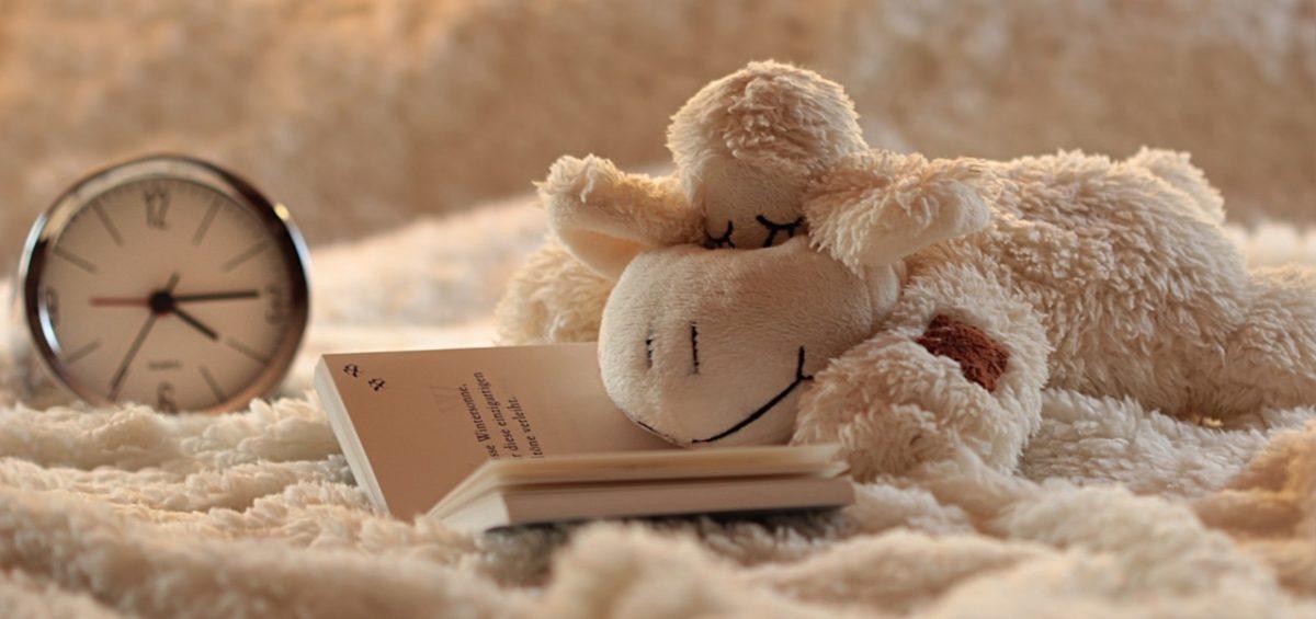 Taller en Banplus Más sueño menos estrés31 1200x565 - Consejos prácticos: Cómo dormir bien y despertar con buen pie para juntos Hacer País