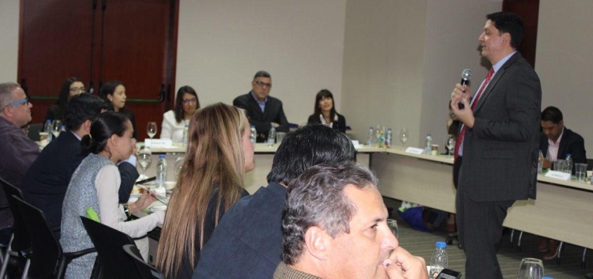 IMG 1307 1200x565 - Realizamos encuentro de Actualización Bancaria con periodistas