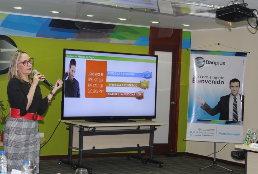 IMG 1330 - Realizamos encuentro de Actualización Bancaria con periodistas