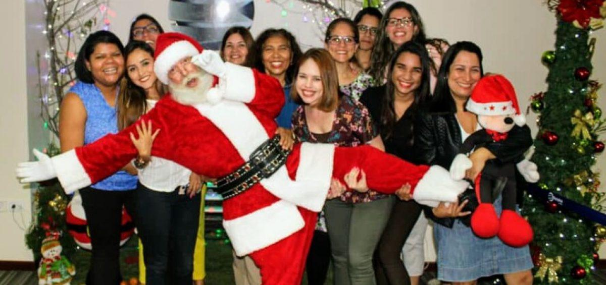 Santa nos visito en Banplus 5 2019 1200x565 - Santa nos visitó | Exaltamos la magia de la Navidad