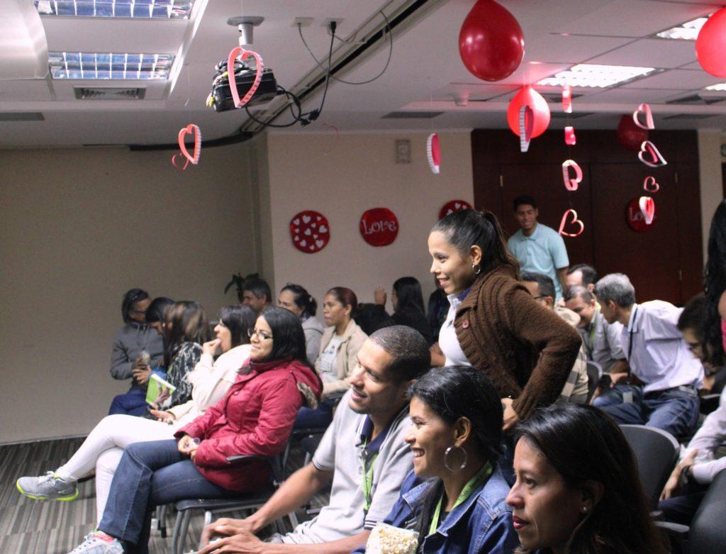Cinema Plus 1024x781 - Con Cinema Plus promovemos en casa el Mes de la Amistad