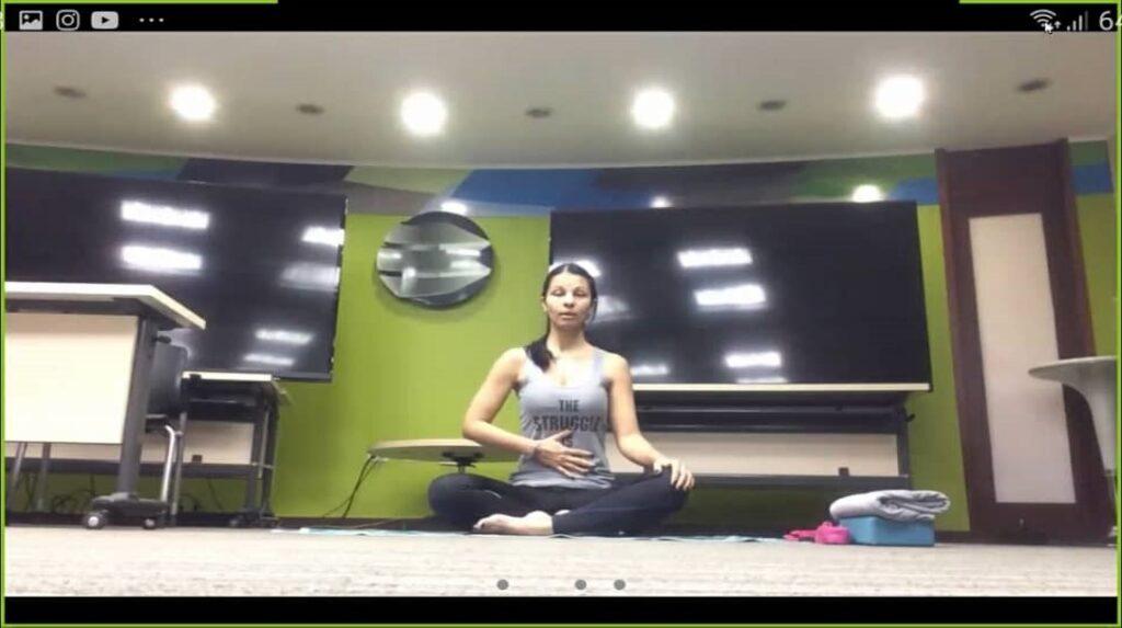 Clase Yoga 2 1024x573 - Realizamos actividades virtuales para el bienestar de la familia Banplus